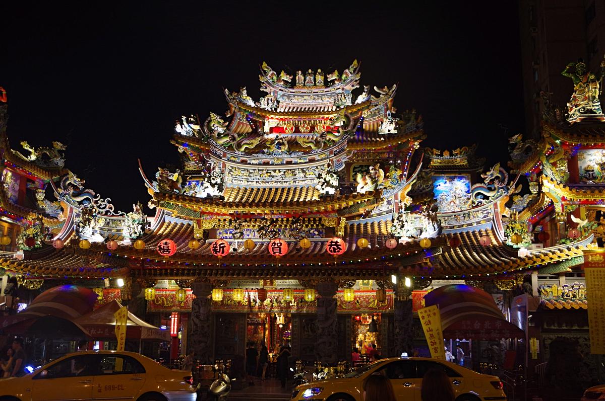 raohe-street-market-temple2