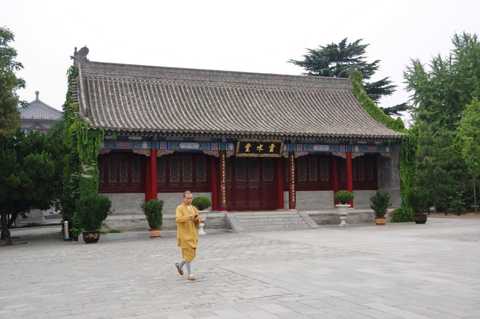Giant-Wild-Goose-Pagoda-bhuddist-temple