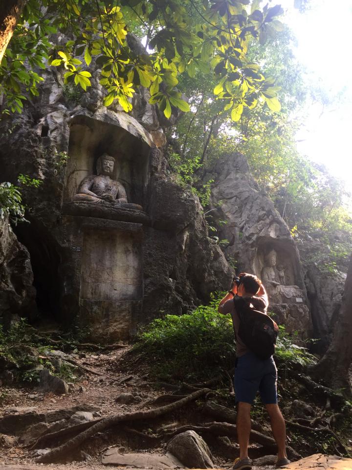 Lingyin-Temple-buddha-statues