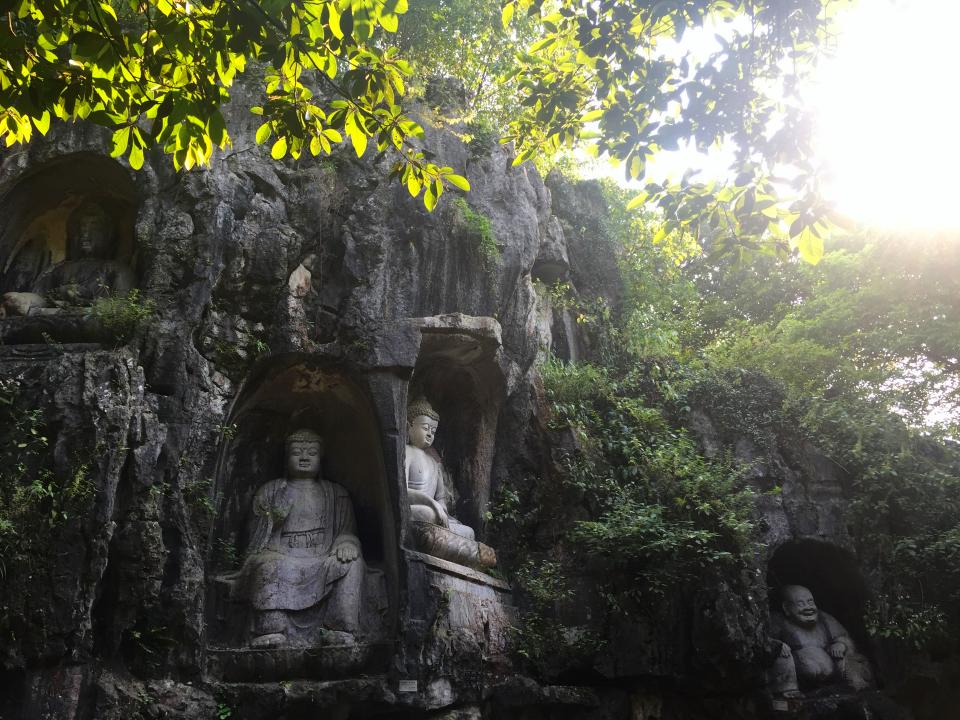 Lingyin-Temple-buddha-statues2
