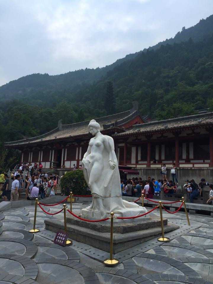 Yang-Guifei-statue