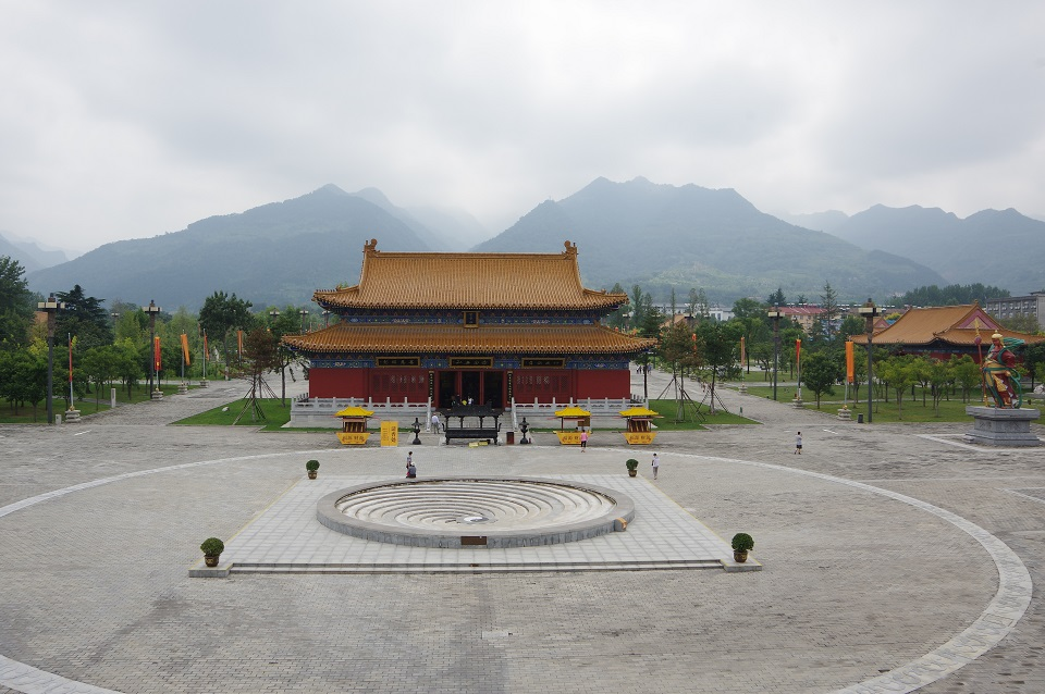 taoism-center-in-mountains