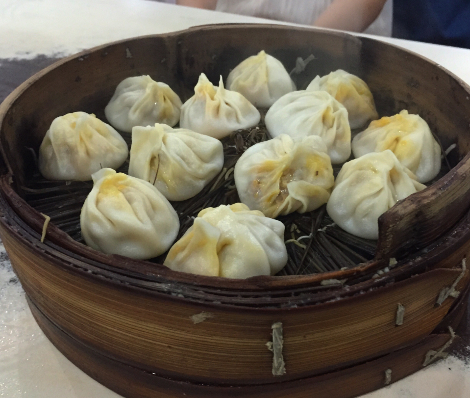 crab-soup-dumplings-shanghai