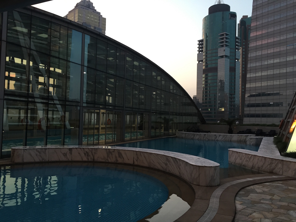 jw-marriott-shanghai-pool