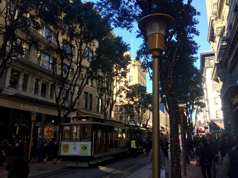 powell-street-christmas