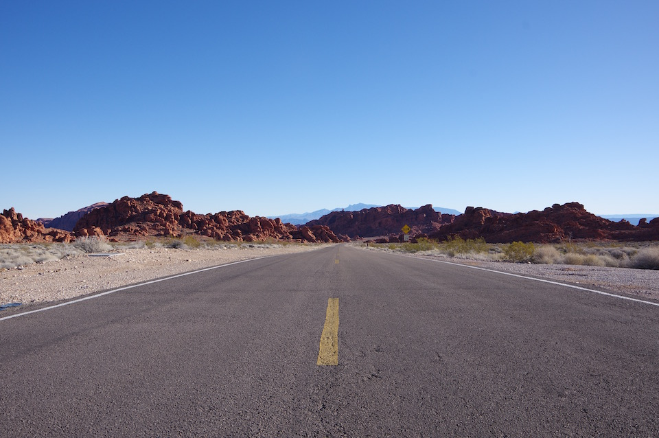 valley-of-fire-road