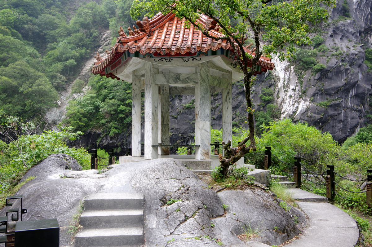 cimu-bridge-small-pagoda