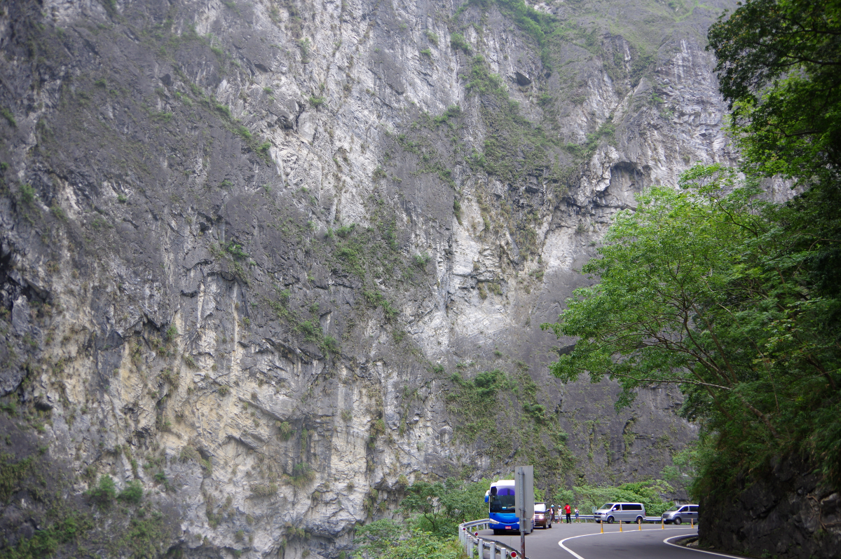 swallow-grotto-taroko-gorge