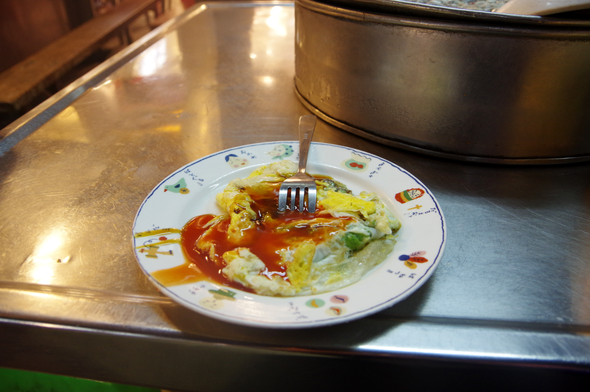 keelung-night-market-oyster-omelet