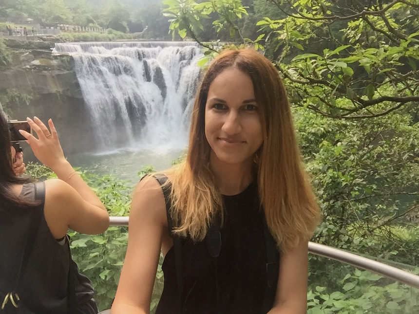 shifen-waterfall-solo-travel