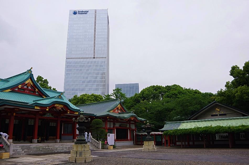 tokyo-modern-shrine